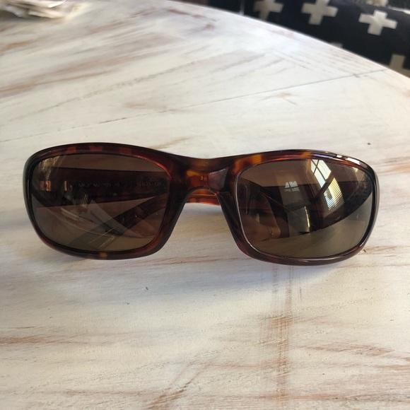 1323bad035ee Maui Jim Stingray Polarized Sunglasses. M 5b47e2d4534ef9712ab23c9d